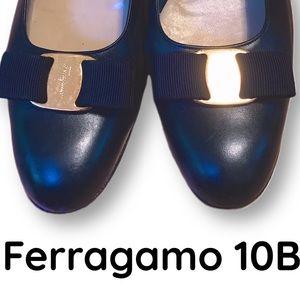 Vintage Ferragamo 10B heels with bows
